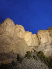 Night time view of Mount Rushmore